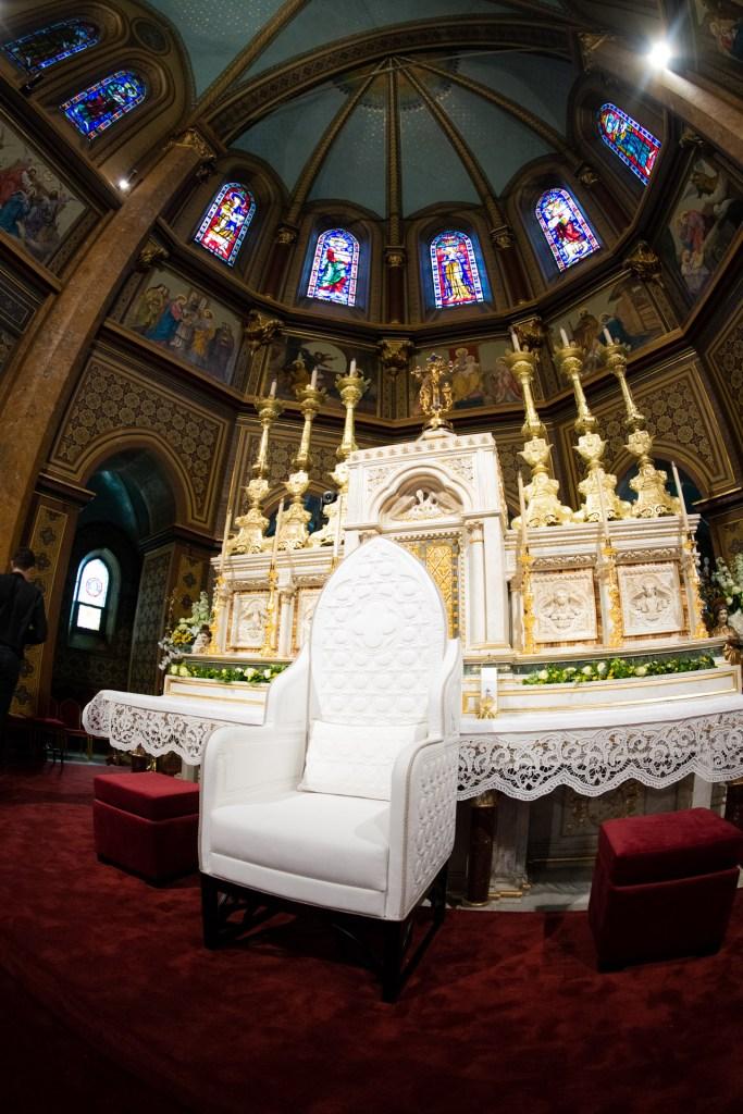 Scaunul papal de la Catedrala Sf. Iosif: un design unic pentru o catedrală unică