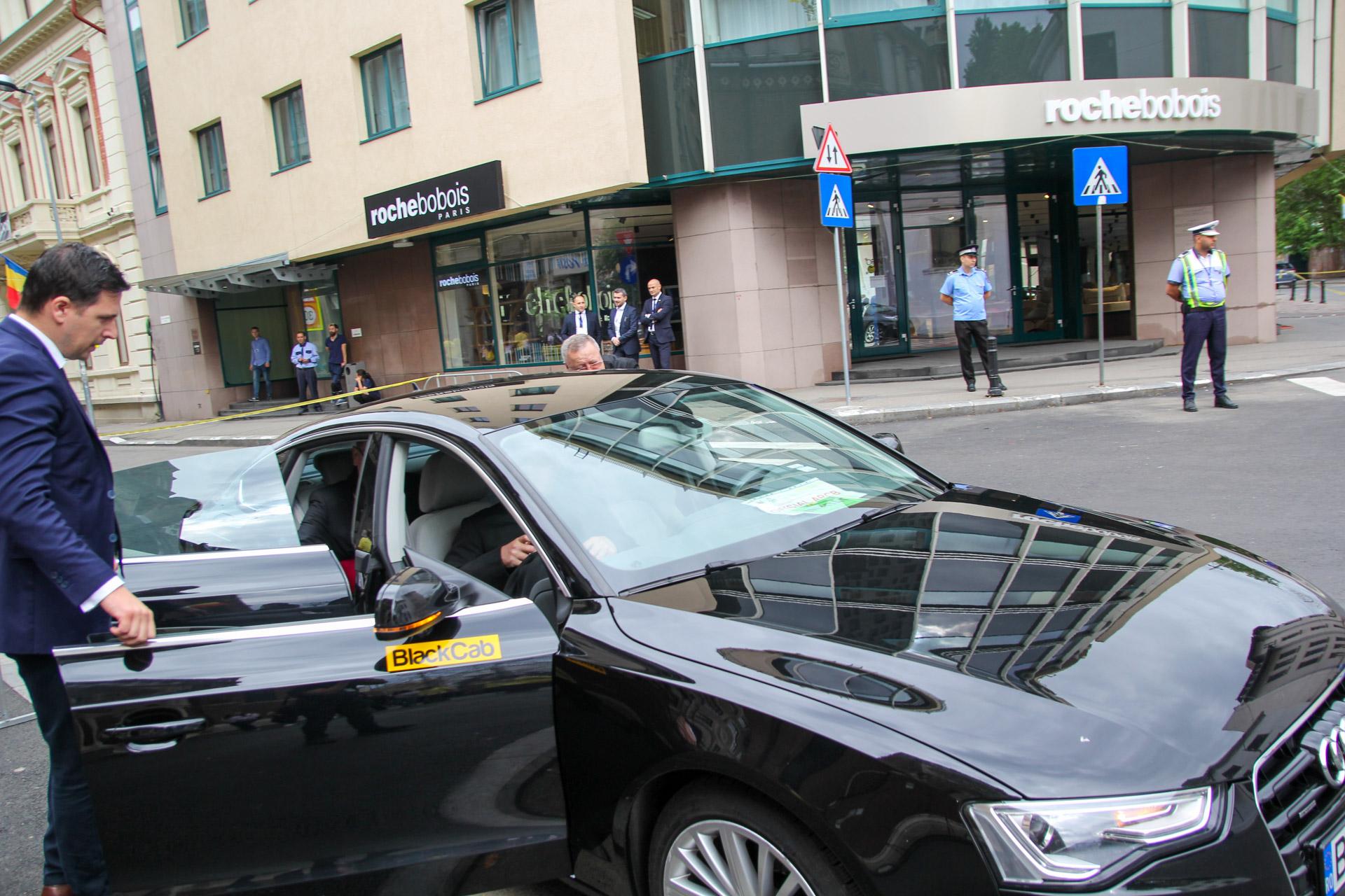 BlackCab, partenerul de mobilitate Papa la București