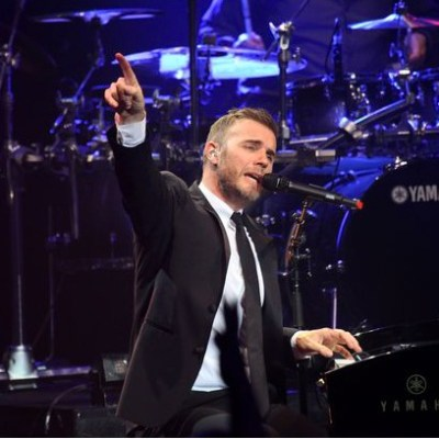 Superstar Gary Barlow to perform at 5 weddings!