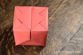 Origami Hinged Box Video Tutorial via @paper_kawaii