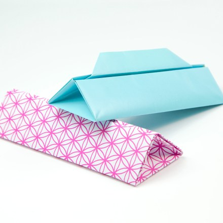 Hexagonal Origami Gift Box via @paper_kawaii