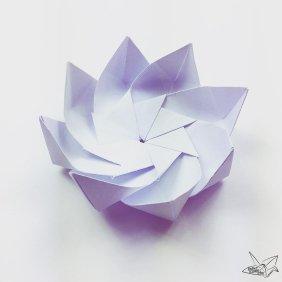 Modular Origami Lotus Flower with 8 Petals - Tutorial via @paper_kawaii