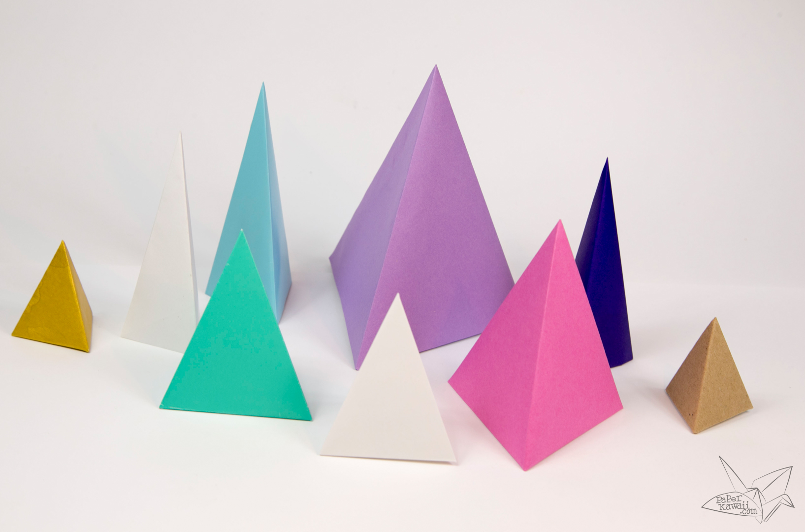 Origami Tetrahedron - 3 Sided Pyramid Tutorial - Paper Kawaii - photo#1