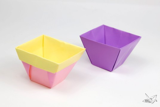 Tapered Origami Box / Origami Plant Pot Tutorial via @paper_kawaii
