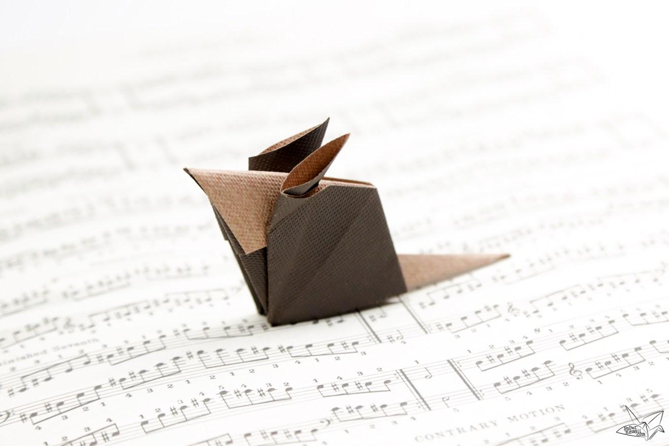 Origami Mouse Tutorial via @paper_kawaii