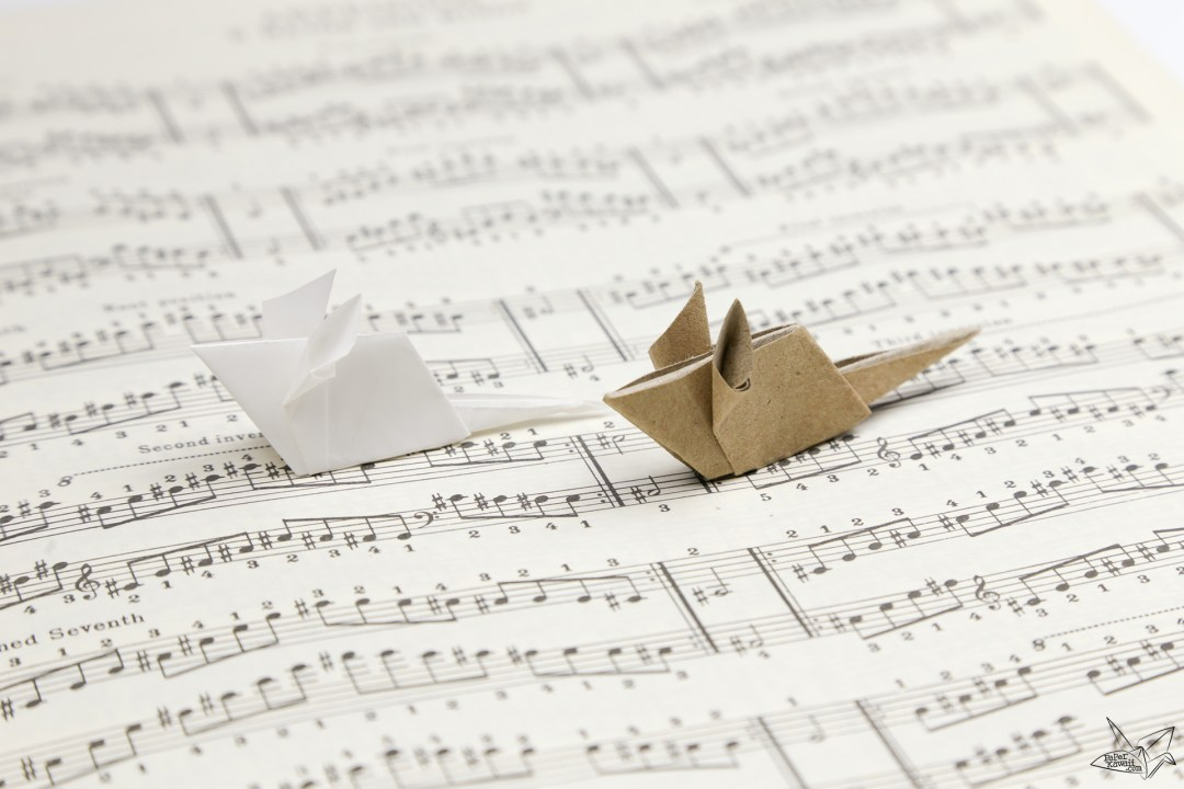 Cute origami mice on music sheet paper - Paper Kawaii ♥︎