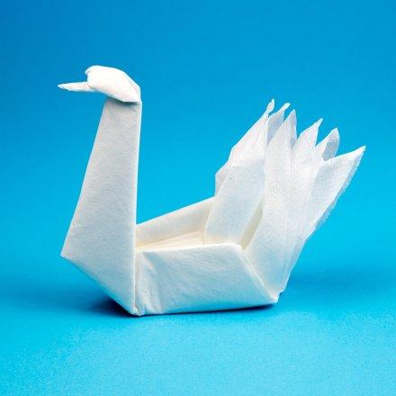 Easy Origami Napkin Swan Tutorial via @paper_kawaii