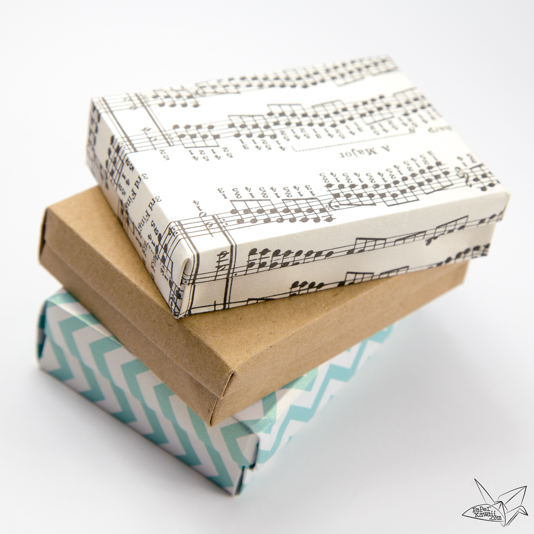 Custom Size Hinged Origami Box - Playing Cards Box via @paper_kawaii