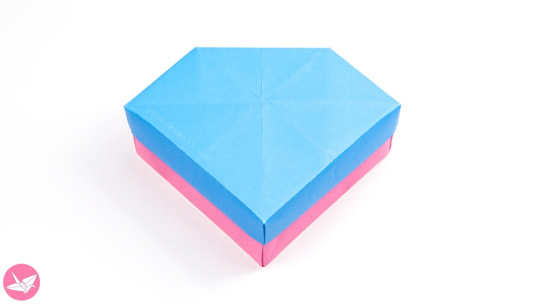 A Pretty Gem Shaped Origami Box And Lid This Intermediate Diamond Is Perfect For Giving Jewellery Gifts