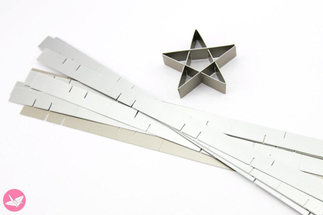 Kirigami Star Decoration Tutorial & Free Template via @paper_kawaii