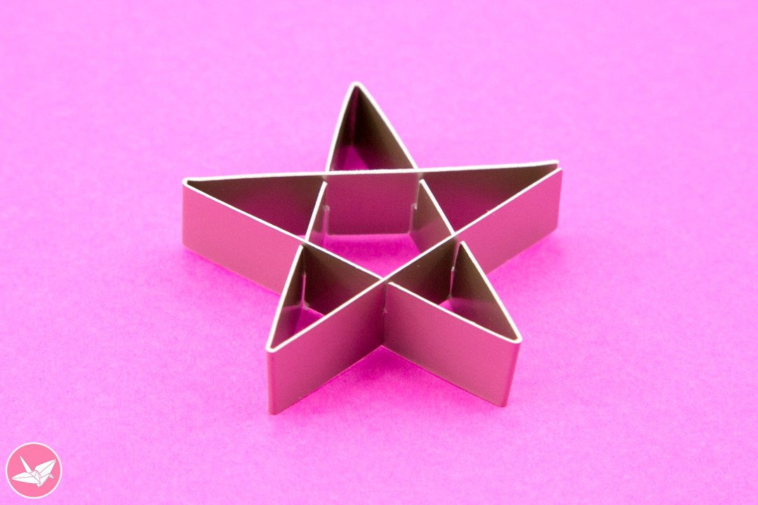 Kirigami Star Decoration Tutorial & Free Template via @paper_kawaii