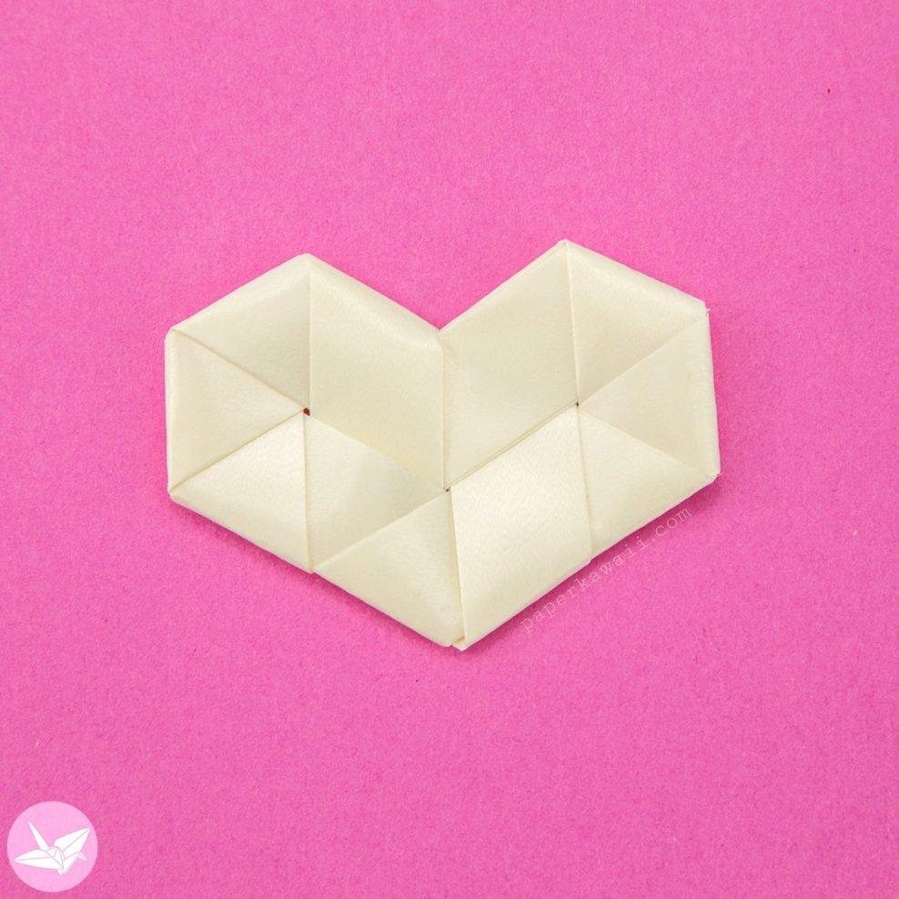 Origami Woven Paper Hearts Tutorial via @paper_kawaii