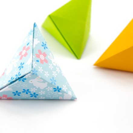 Origami Tripyramid Gift Box Tutorial - David Donahue via @paper_kawaii
