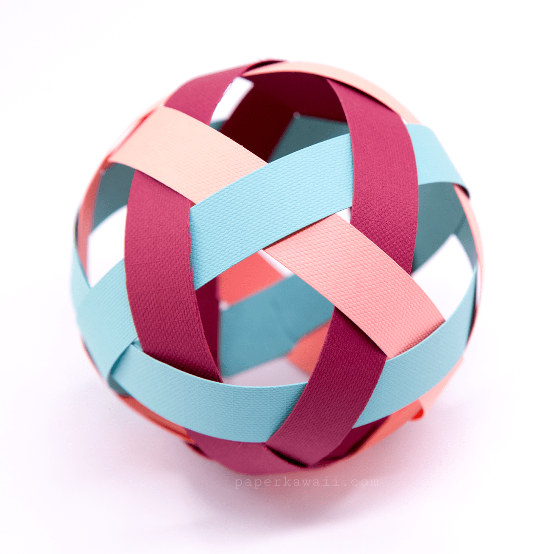 Easy Woven Paper Ball Decoration Tutorial via @paper_kawaii