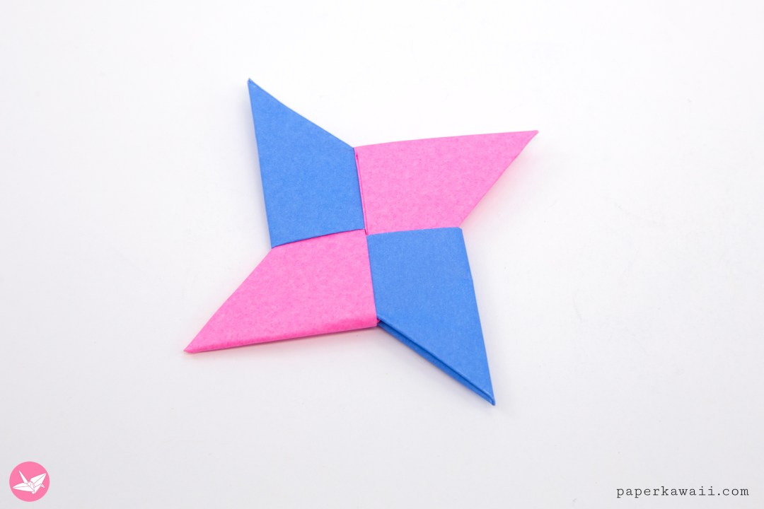 Easy Origami Ninja Star Tutorial via @paper_kawaii