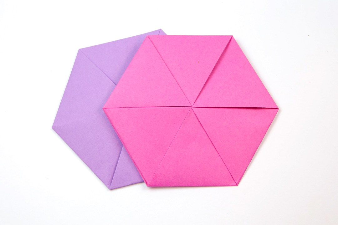 Hexagonal Letterfold via @paper_kawaii