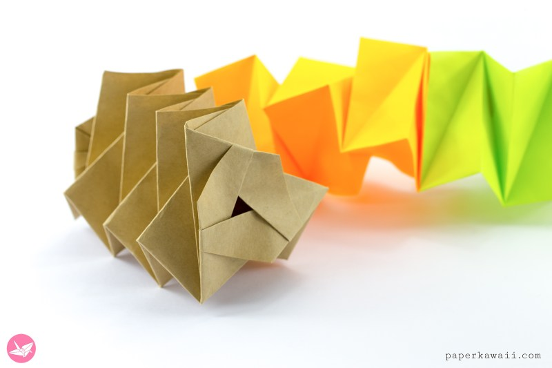 Magic Origami Spring Toy Tutorial via @paper_kawaii