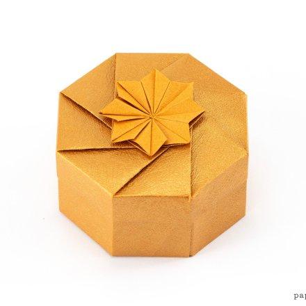 Octagonal Origami Gift Box Tutorial via @paper_kawaii
