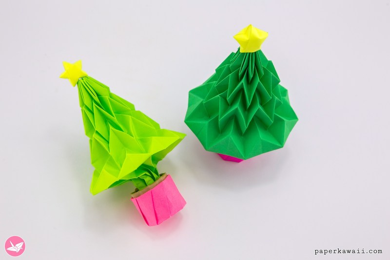 Origami Christmas Tree Tutorial - Accordion Folding via @paper_kawaii