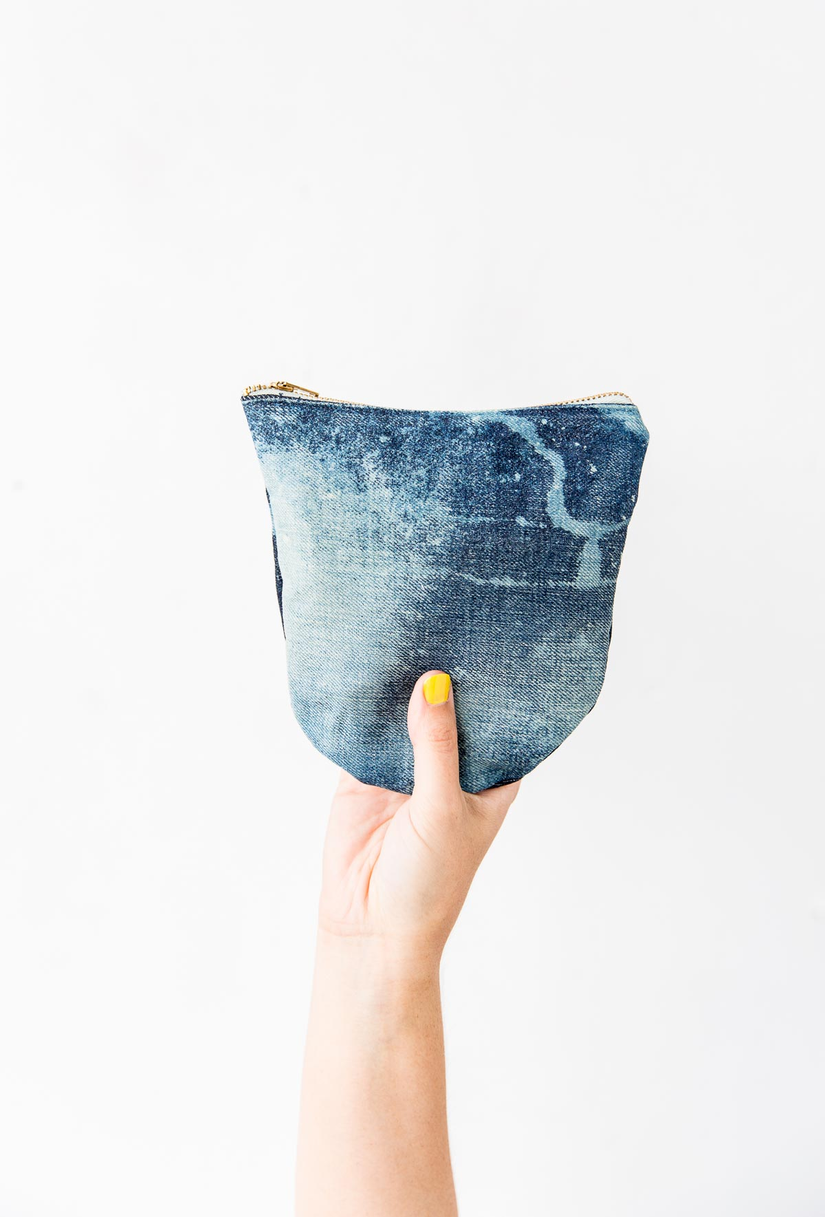 Jean Queen How To Transform Old Jeans Into A Denim Clutch In About An Hour