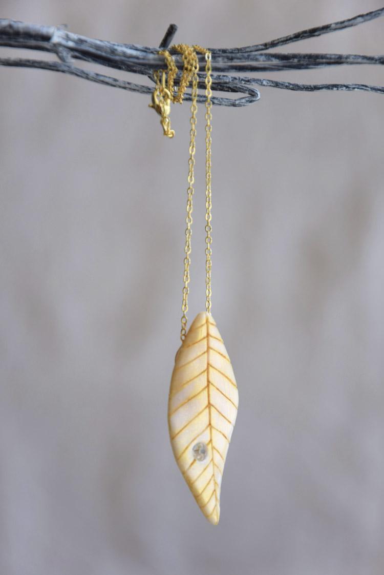 Golden Leaf Pendant Bridal Necklace
