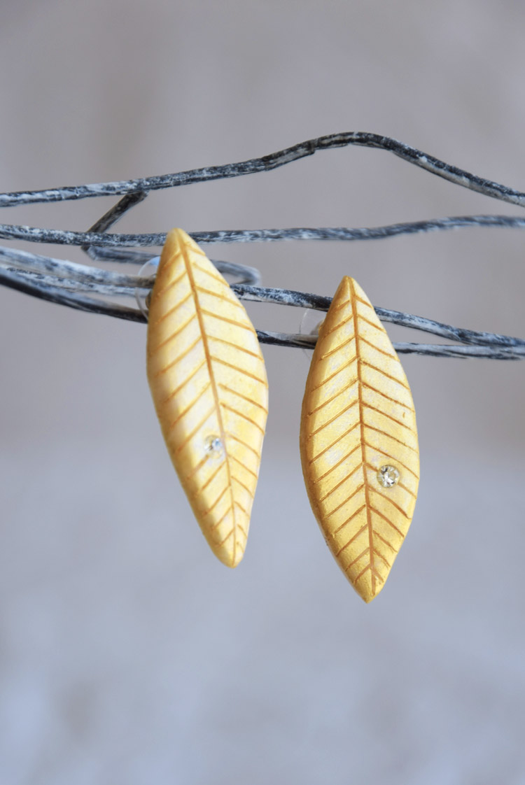 Elegant Golden Leaf Stud Earrings