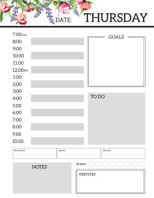 Floral Free Printable Daily Planner Template Sheets. Flower planner pages. Monday, Tuesday, Wednesday, Thursday, Friday, Saturday, Sunday. #papertraildesign #plan #getstuffdone ##getorganized #goals #dailygoals #dailyplan #goaltracker #planning #organization