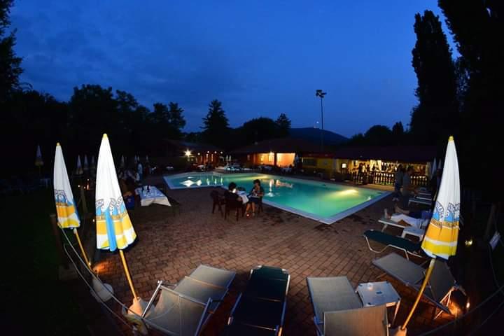 Country Club location esclusiva con piscina per organizzare le tue fantastiche feste private