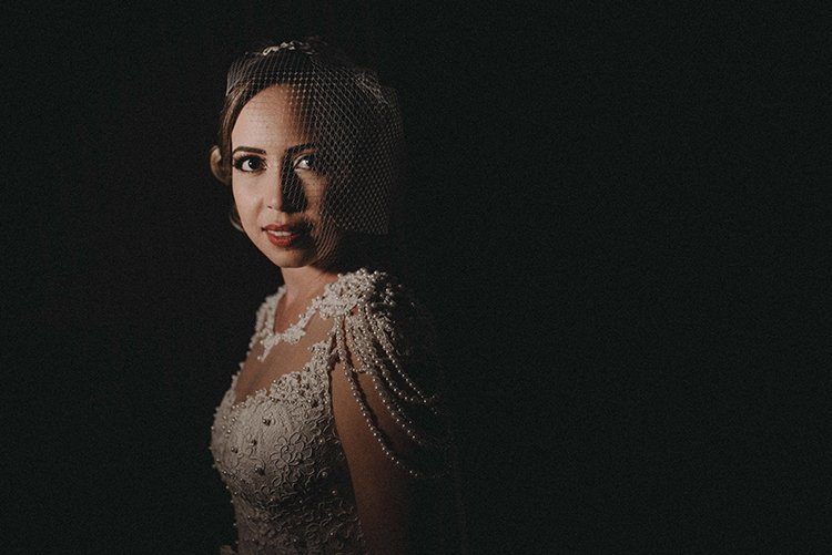 A noiva do salão que adorou ter uma fotografia no escuro.