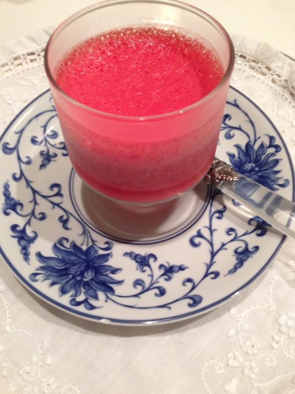 sobremesa feita com morango e iogurte natural papo gula