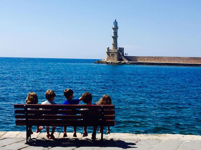 Amerikanakia on a bench at Hania's port (Photo by katerina via Facebook)