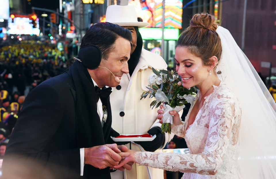 Video maria menounos new years eve wedding in times square harvey who was hosting this years new years eve coverage on fox along with menounos officially became ordained as of about 48 hours ago courtesy of junglespirit Choice Image