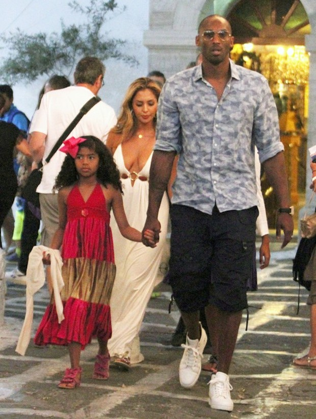Kobe Bryant Vacations In Greece With His Family