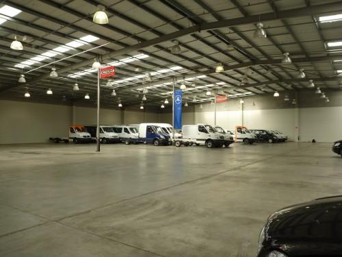 a másik sarokban a light commercial vehicles, gazdára várva