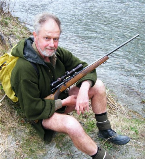 sweach_time_he_went_into_the_bush_queenstown_hunter__1081178290