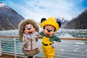 Największą jednak frajdą dla rodzin są rejsy Walta Disneya z basenami na pokładzie, bawialniami oraz aktorami poprzebieranymi za postacie z bajek. zdj. disneyparks.disney.gov.com