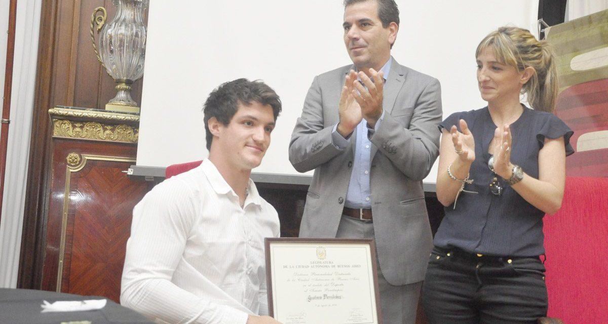 Gustavo Fernández sumó un nuevo reconocimiento