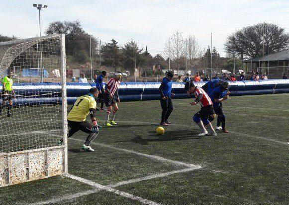 Fútbol para ciegos: Huracán y Estudiantes, a la próxima ronda