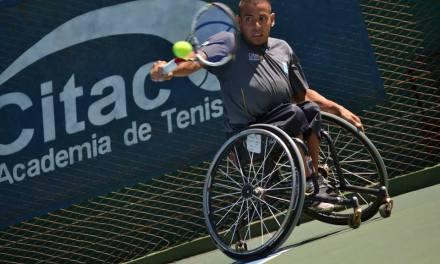 Tenis adaptado: Casco avanza en el Zúñiga