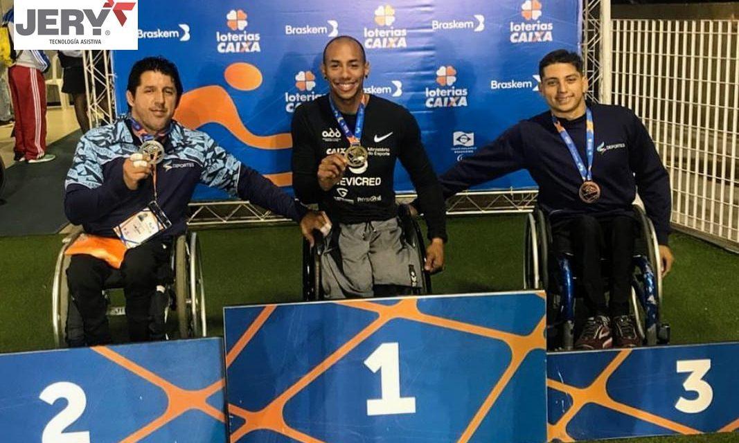 Alejandro Maldonado vuelve de Brasil con un gran triunfo