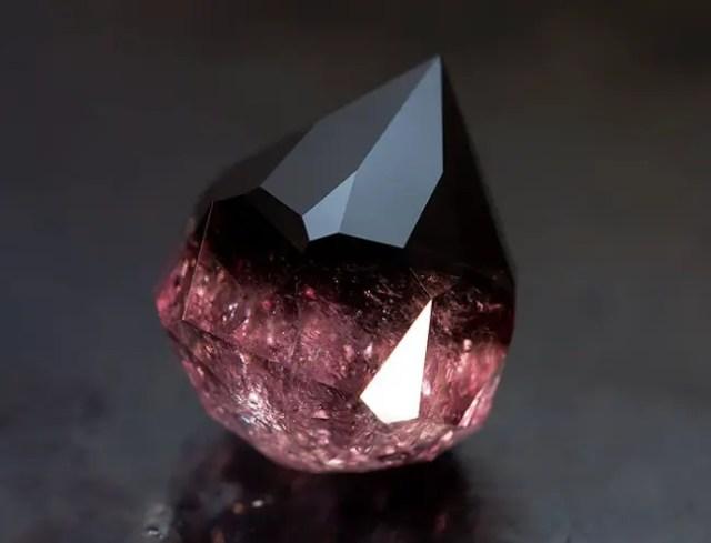 magische mineralen burmeese toermalijn