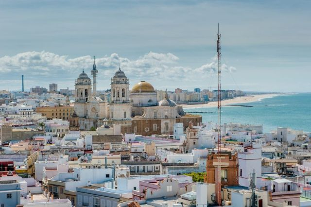 13639018 - panorama of cadiz, spain
