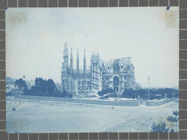 Vista de les obres de construcció del temple de la Sagrada Família.