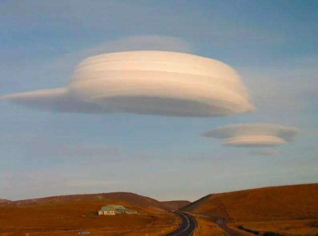 Lenticularis wolk 3