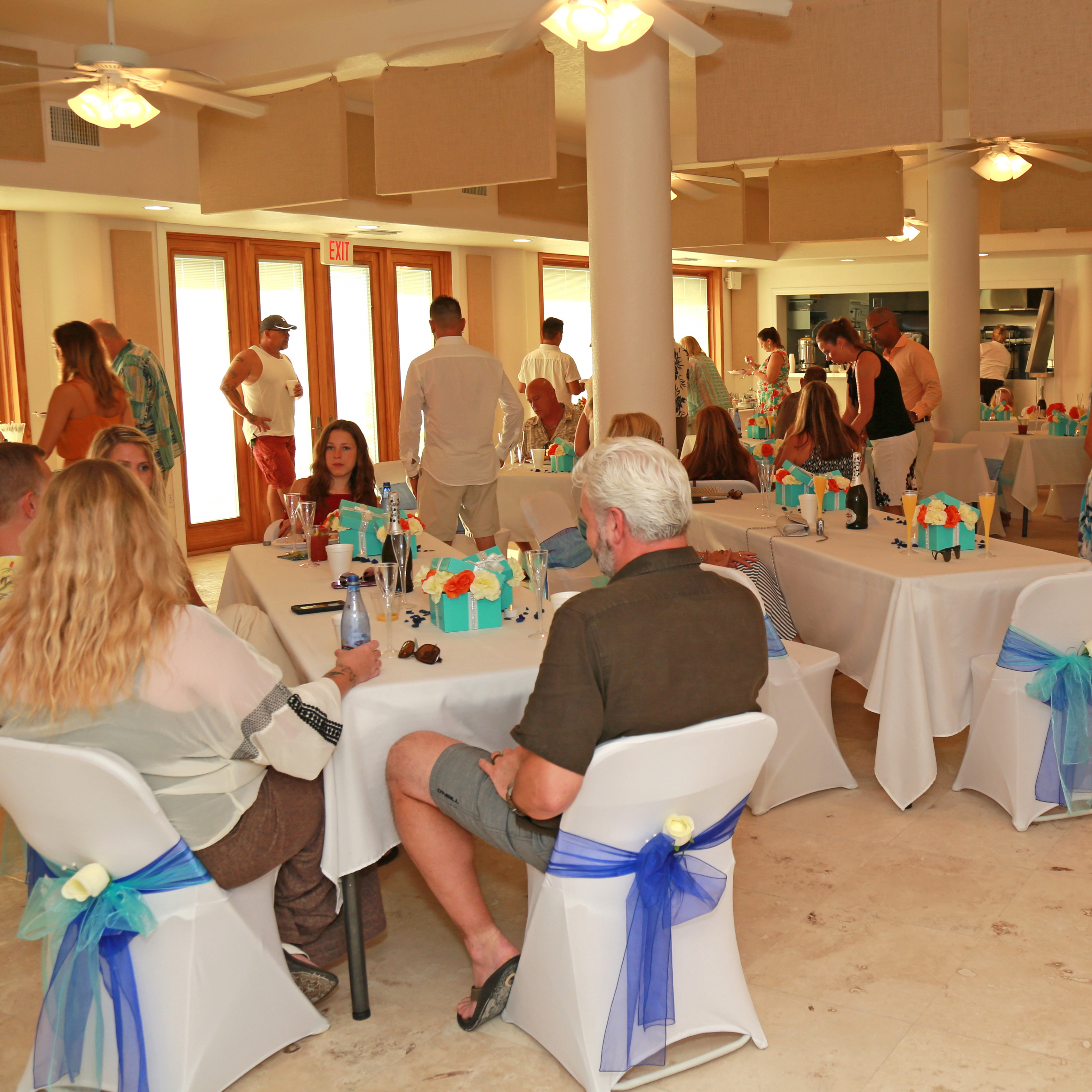 table chair rentals 2 yamaha adjustable piano rental beach and destination weddings new smyrna