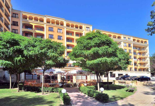 Paradise Green Park Hotel Apartments Golden Sands
