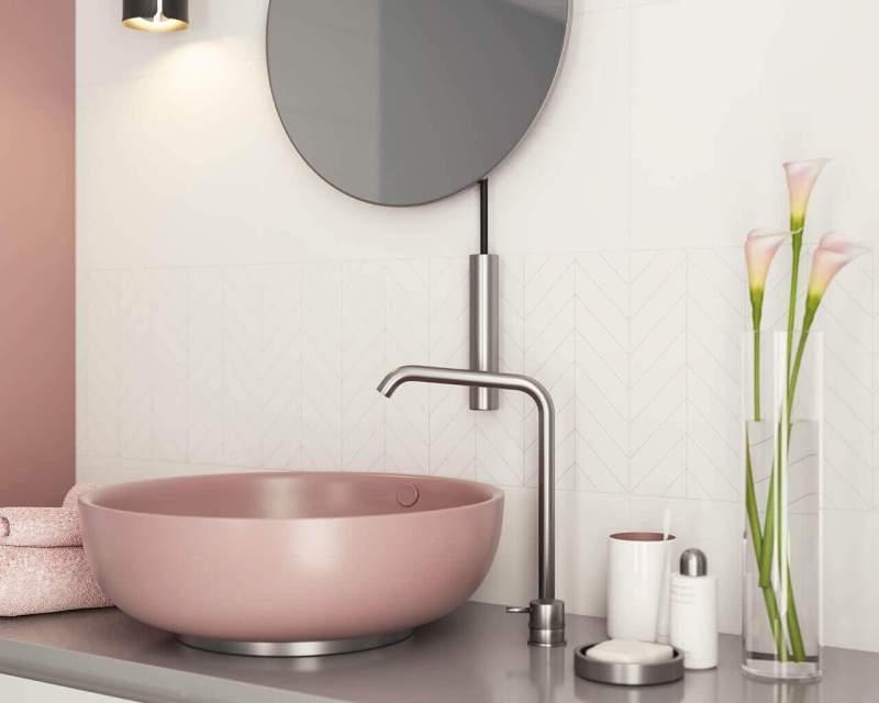designerska-umywalka-w-cieplej-lazience-motivo