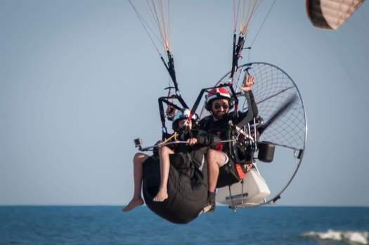 Voar de Paramotor - Voo duplo de paramotor