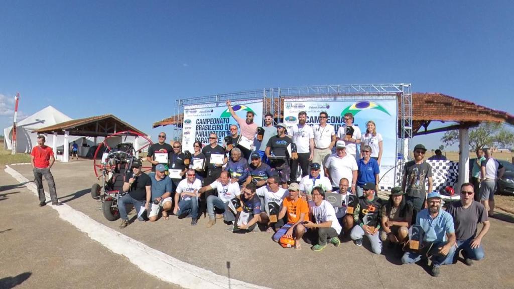 Campeonato Brasileiro de Paramotor em Casa Branca - SP