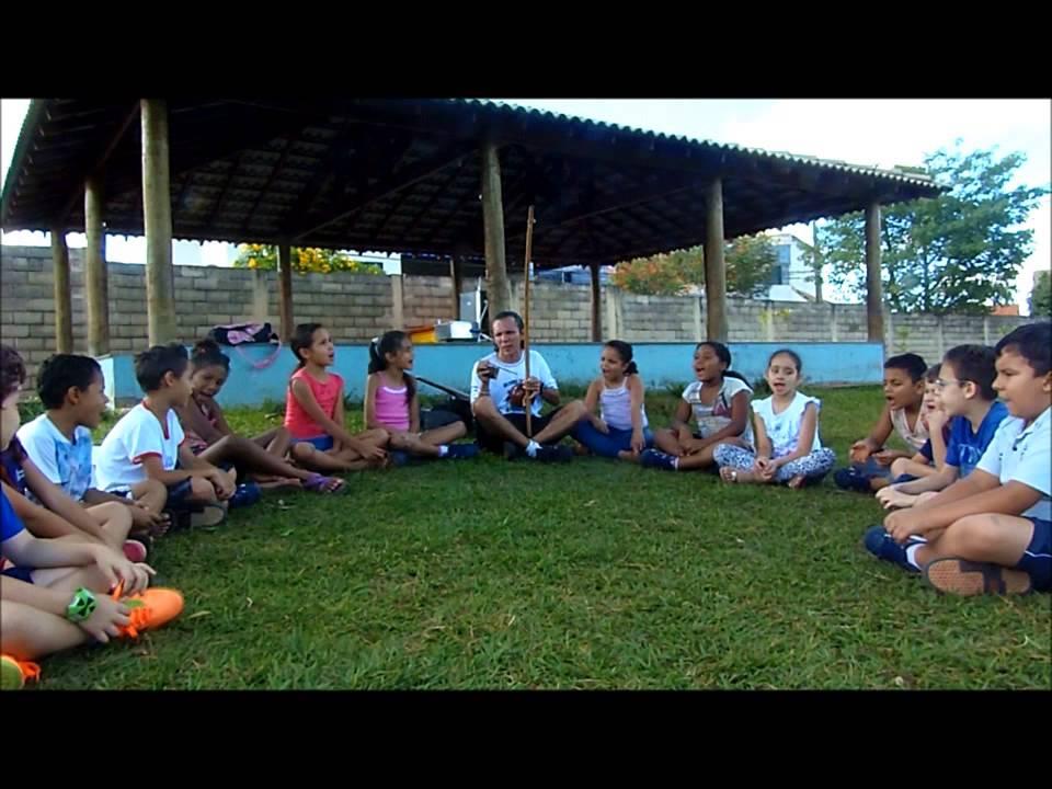 AEIOU_Capoeira_Enfants